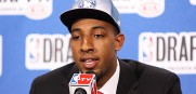 Derrick_Williams_NBADraft_2011_1