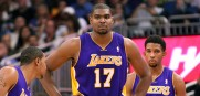 Andrew_Bynum_Lakers_2012_5