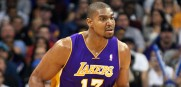 Andrew_Bynum_Lakers_2012_6