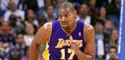 Andrew_Bynum_Lakers_2012_7
