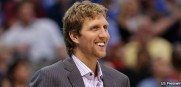 Dirk_Nowitzki_Mavericks_2013_Injured