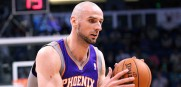 Marcin_Gortat_Suns_2013_4