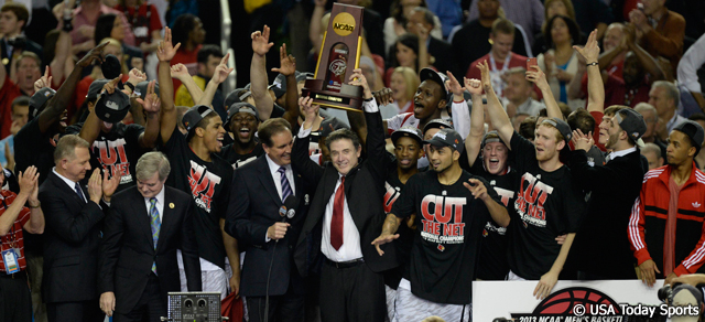 LouisvilleChampionshipTrophy_2013NCAA